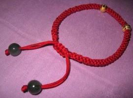 本命年转运珠红绳手链编法