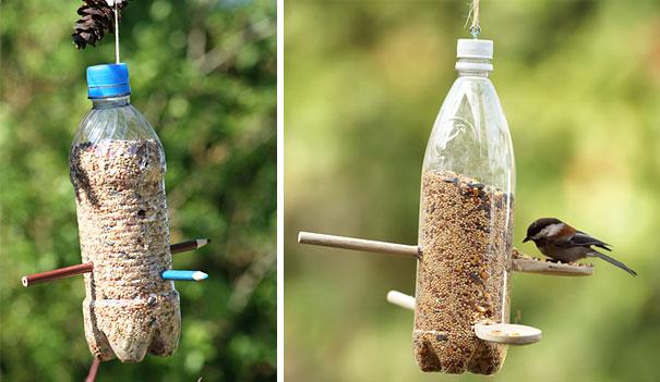 废弃饮料瓶制作环保喂鸟器
