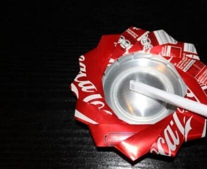 易拉罐做烟灰缸三