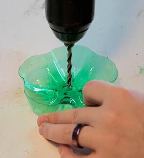 废弃塑料瓶打造精美首饰盒