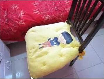 旧衣服变身坐垫抱枕