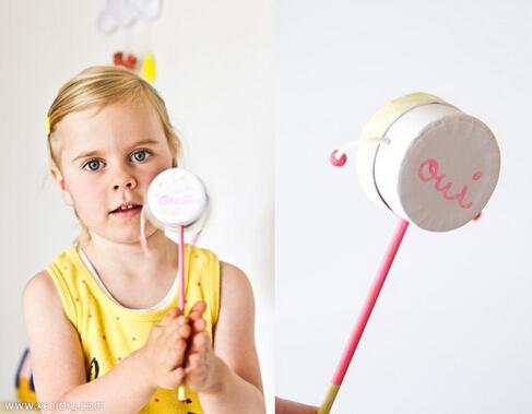 给家里的宝贝制作一个儿童玩具拨浪鼓教程!