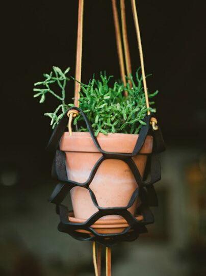 皮革做的花盆吊架