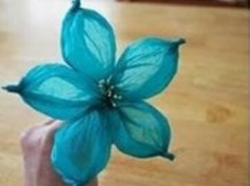 带有空气感的立体褶皱纸花朵制作