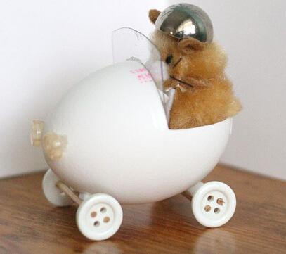 鸡蛋壳做的萌娃摇椅