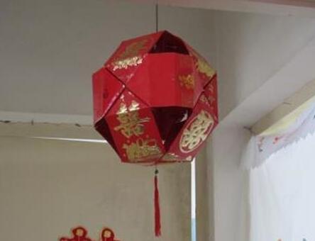 红包做的大红灯笼