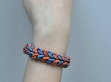 易烊千玺同款彩色手绳编法