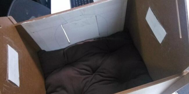 手工制作简易狗窝改造成暖冬猫窝