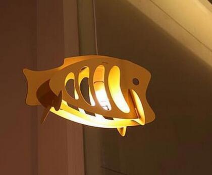 废旧纸板做成创意小鱼灯罩